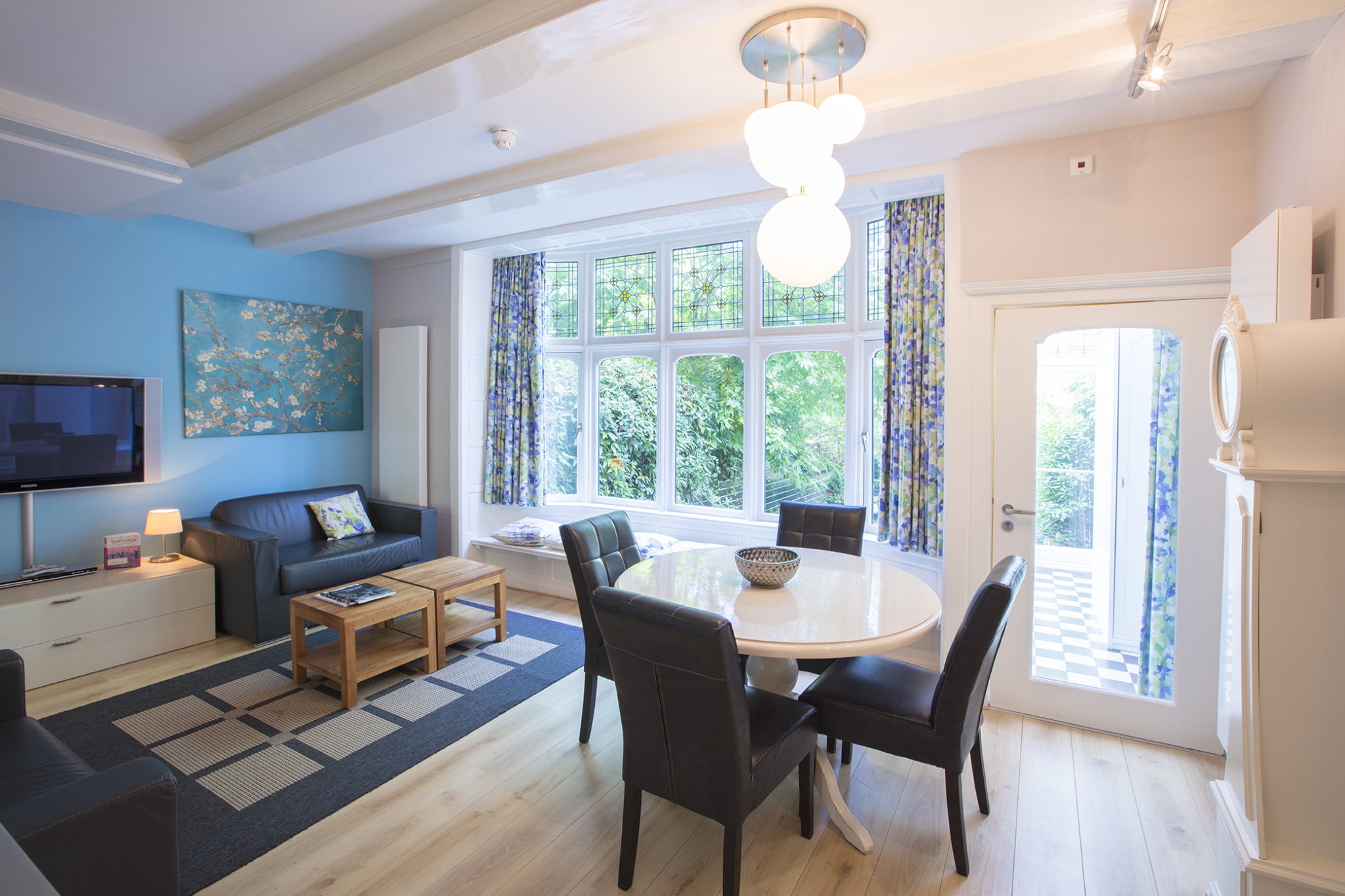 Dutch Masters Amsterdam Vincent van Gogh Apartment Livingroom © Michael van Oosten