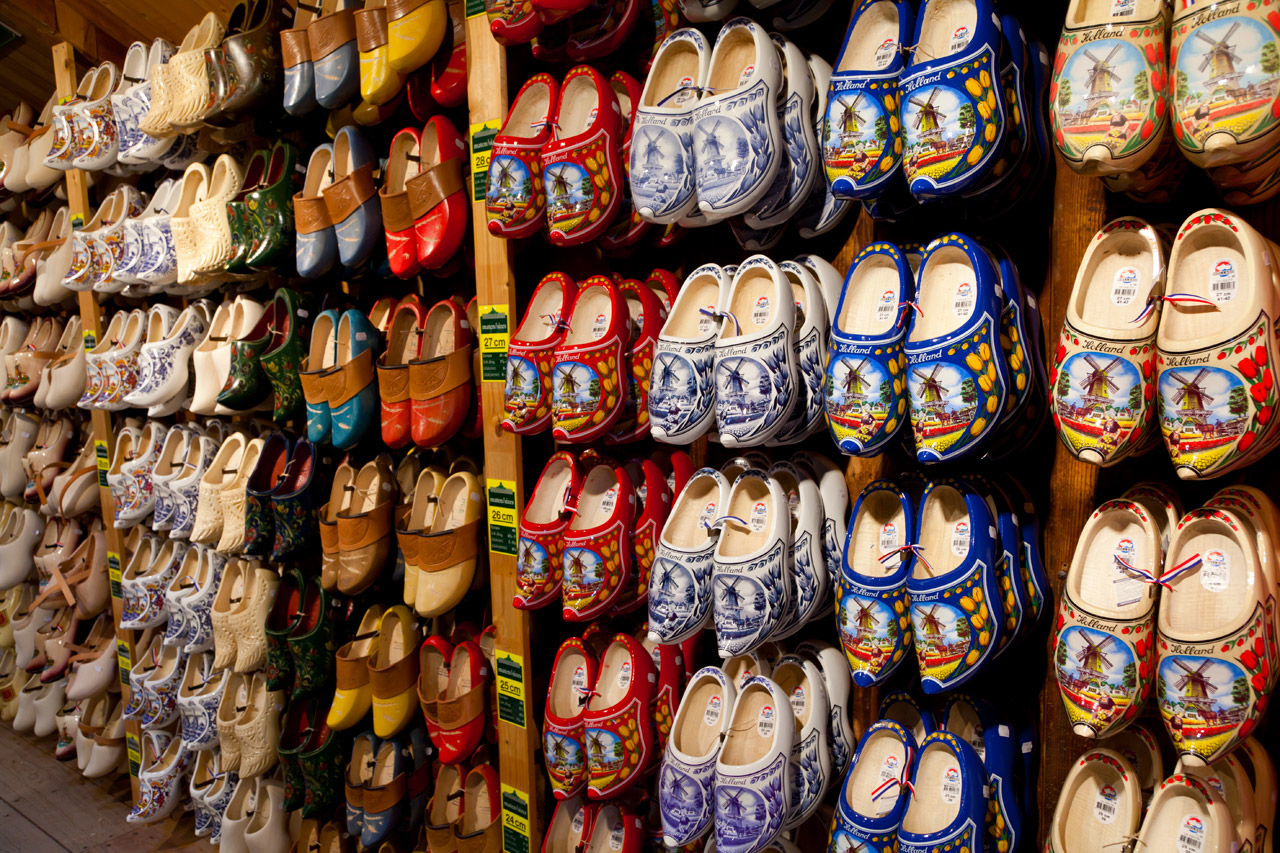 dutch_wooden_clogs